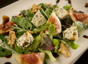 Salade verse vijgen balsamico en blauwschimmelkaas